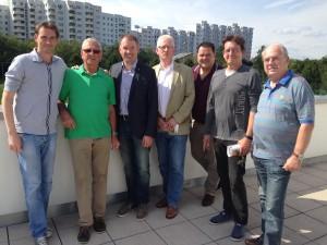 Toller Blick vom GWE-Vereinsgebäude: Mit Peter Torke, Rüdiger Rust, Olaf Steinbiß, Niels Böttcher und Peter Lensch (v.l.n.r.)
