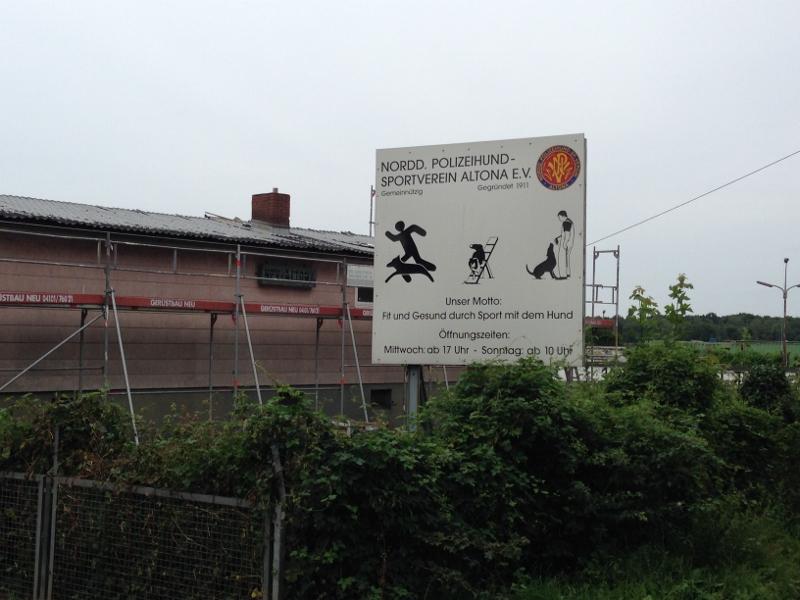 Die Arbeiten am NPV-Vereinshauslaufen